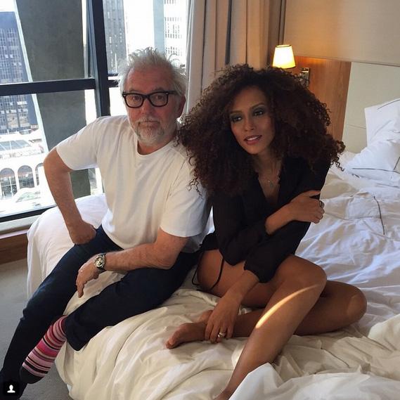 Taís Araújo posa com fotógrafo depois de ensaio