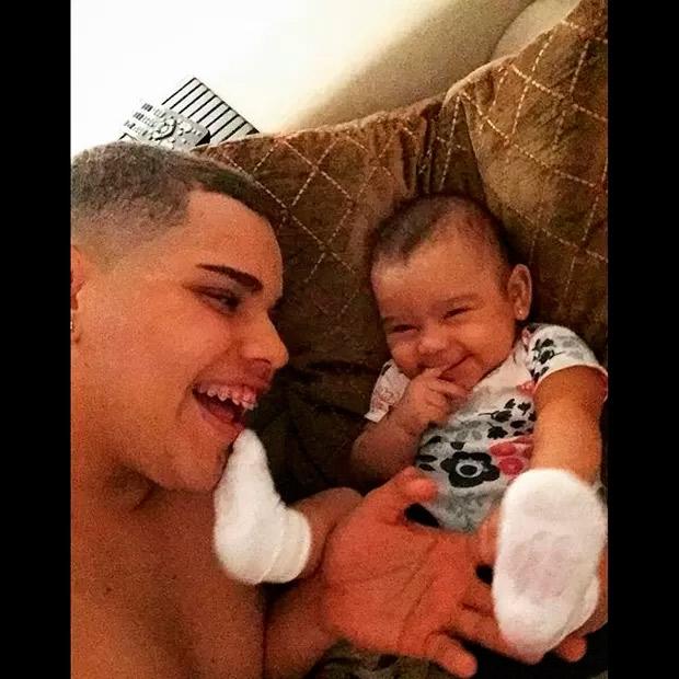 Filho de Naldo compartilha foto fofa com irmã