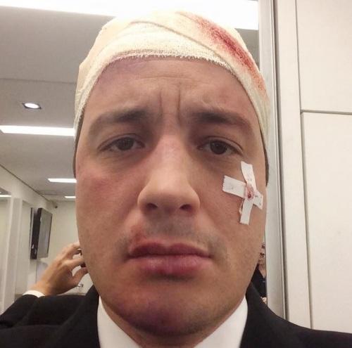Rafael Cortez fica ferido após ser atropelado por touro
