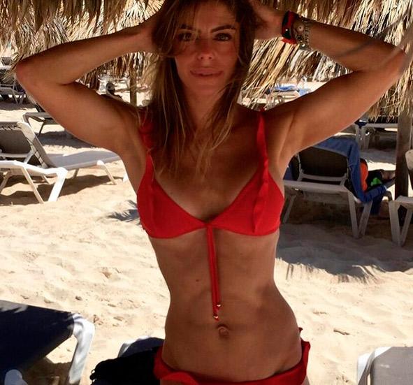 Daniella Cicarelli impressiona fãs com magreza em foto