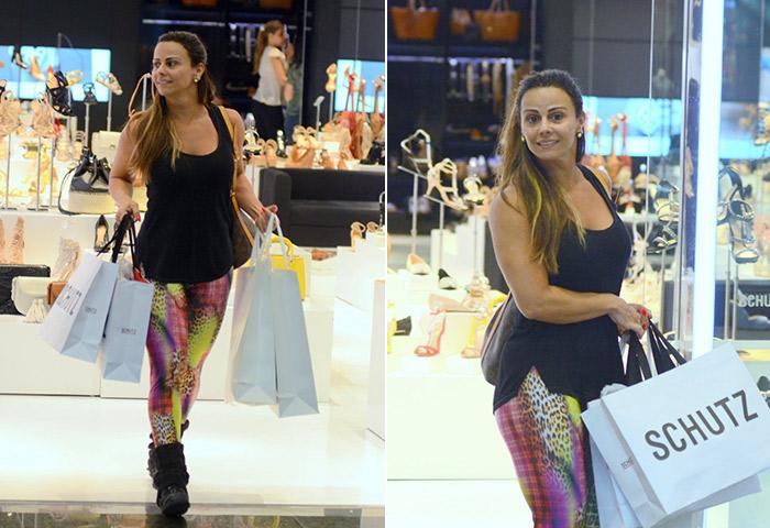 Dia de compras! Viviane Araújo deixa loja cheia de sacolas