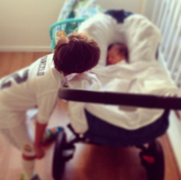 Fernanda Gentil mostra afilhado com o pequeno Gabriel