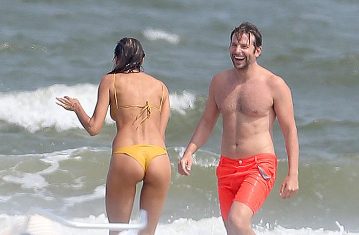 Irina Shayk mostra o corpão ao curtir praia com namorado