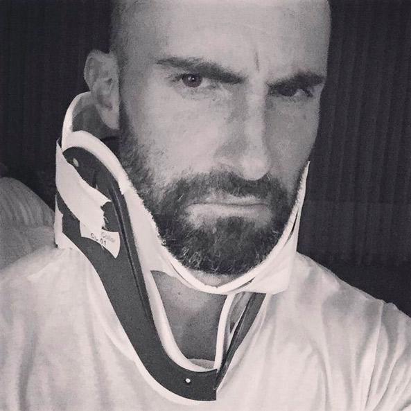 Adam Levine não dá detalhes do acidente que sofreu