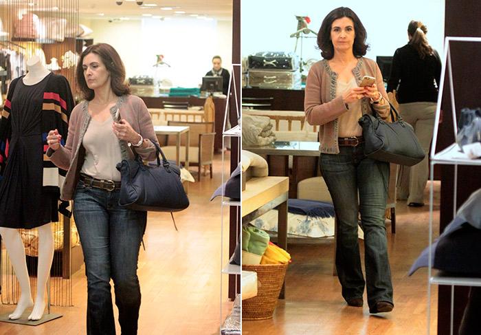 Fátima Bernardes faz compras em shopping