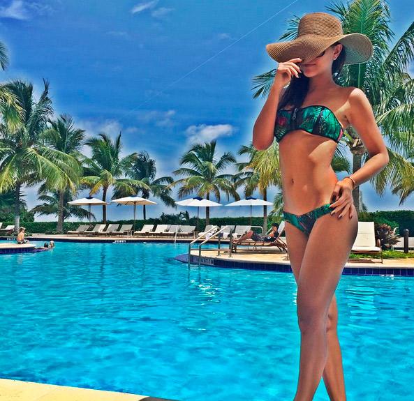 Mariana Rios mostra boa forma em foto de biquíni