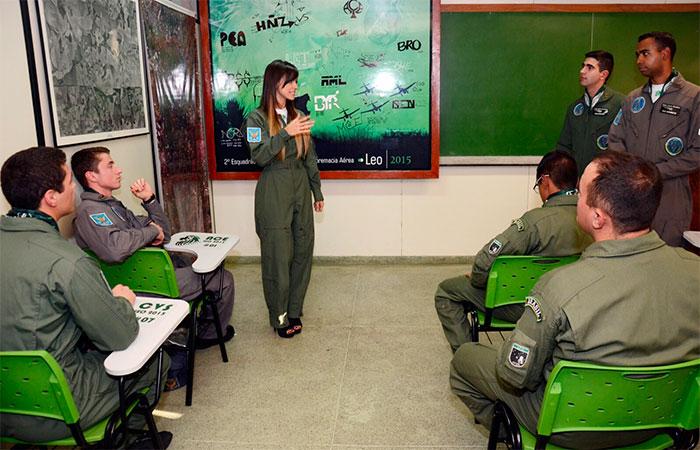 Carol Dias é eleita madrinha da Força Aérea