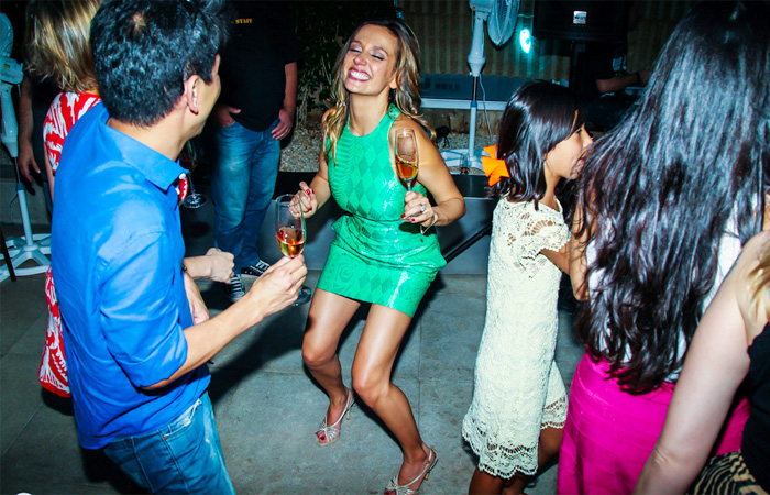 Luisa Mell comemora aniversário com festa e família reunida