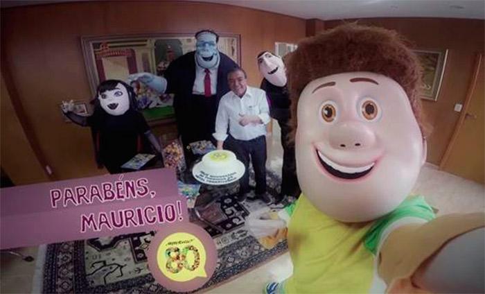 Maurício de Sousa recebe visita surpresa no escritório  Ofuxico