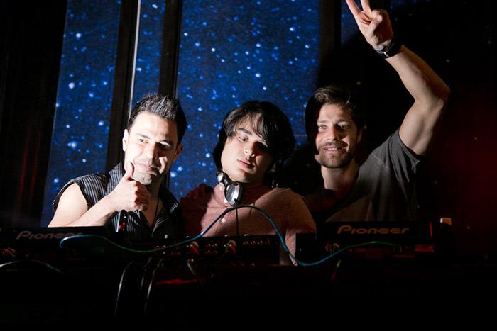 Zezé Di Camargo prestigia filho como DJ em São Paulo