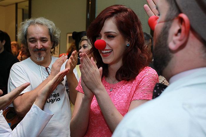 Sophia Abrahão apoia Doutores da Alegria