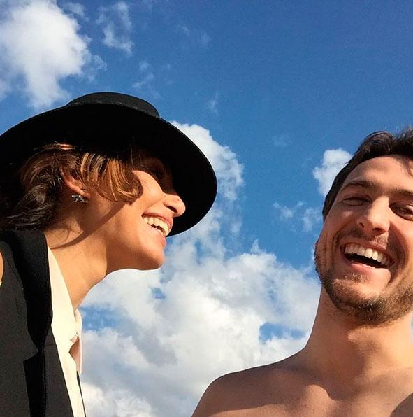 Camila Pitanga posa com Igor Angelkorte: 'Que o céu nos proteja'