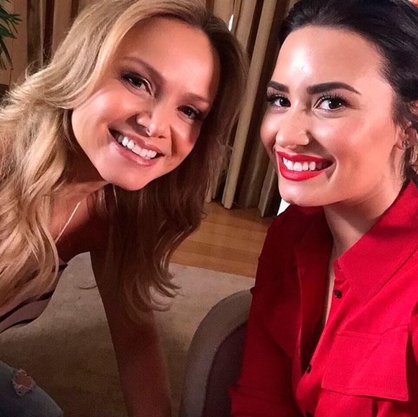 Eliana tieta Demi Lovato e posta na web