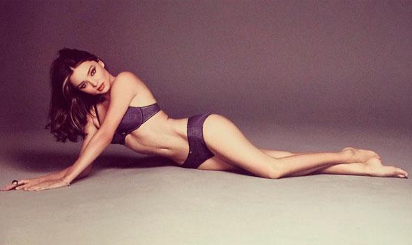 Miranda Kerr abusa da sensualidade em foto de lingerie