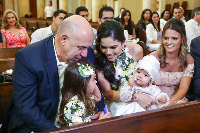 Daniela Albuquerque e Amilcare Dallevo Jr. batizam a caçula