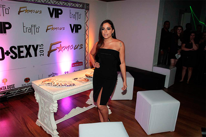 Anitta rouba a cena em festa da Revista VIP