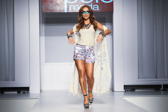Sabrina Sato esbanja seu brilho em evento de moda