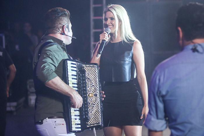 Thábata Mendes canta com Bruno e Marrone em Belém