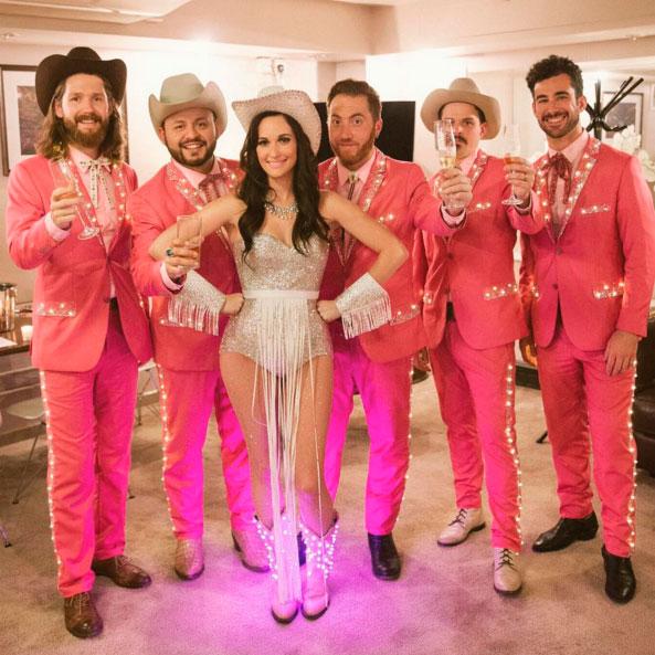Cantora de música country copia estilo de Katy Perry