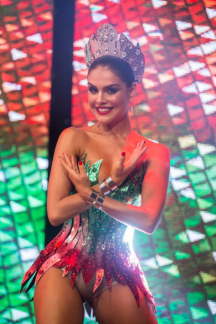 Paloma Bernardi revela todos seus segredos para o Carnaval