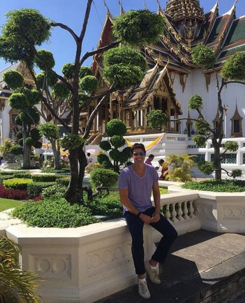 Gianecchini se atrapalha com fuso horário na Tailândia