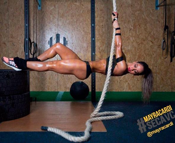 Mayra Cardi exibe 'corpo perfeito' em aula de crossfit,
