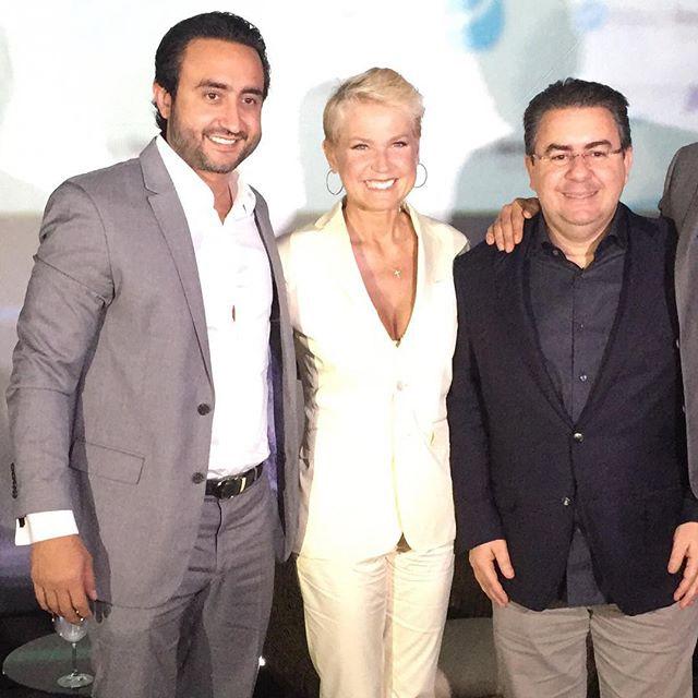 Xuxa inaugura clínica de depilação em Cuiabá