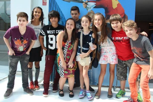Participantes do MasterChef Jr. curtem pré-estreia juntos