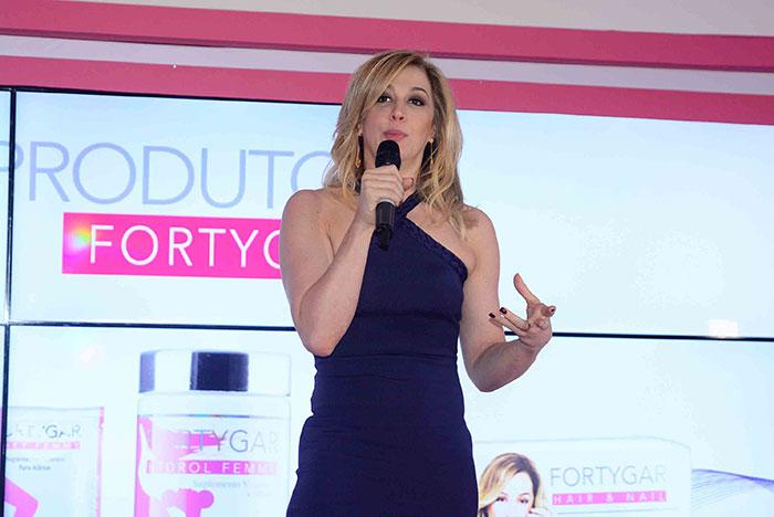Claudia Raia lança linha de suplementos alimentares