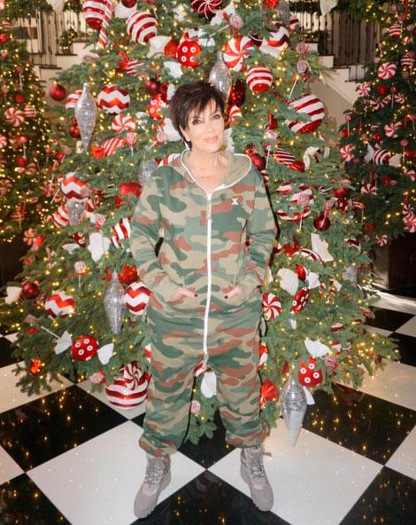 Kris Jenner mostra sua luxuosa árvore de Natal