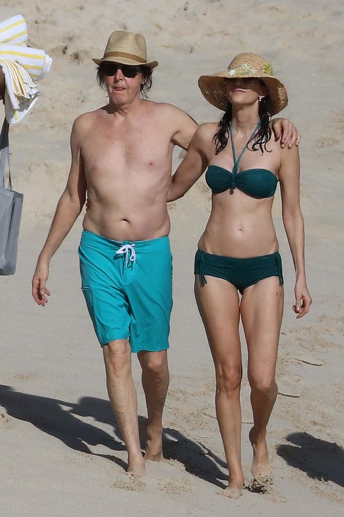 Esposa de Paul McCartney arrasa na boa forma aos 56 anos