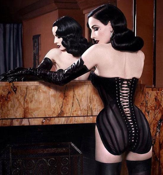 Dita Von Teese critica as cintas de Khloe Kardashian
