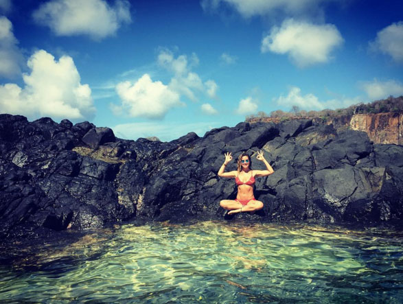Giovanna Ewbank exibe corpão em foto paradisíaca