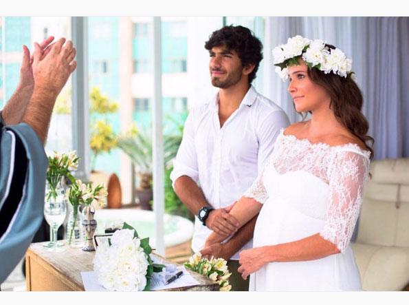 Veja a primeira foto do casamento secreto de Deborah Secco