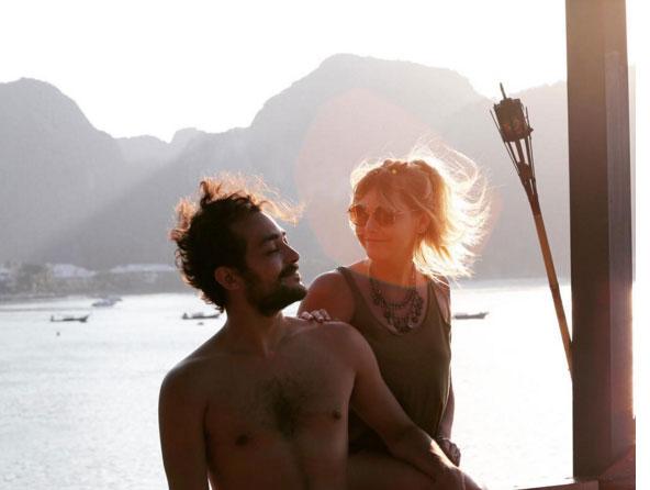 Eduardo Sterblitch recebe elogios em bela foto com a esposa