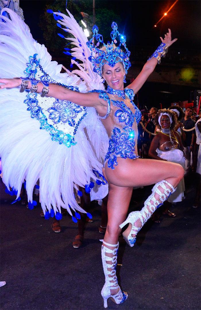 Veja as musas do 1º dia de desfiles no Rio e Janeiro