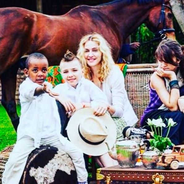 Madonna relembra infância do filho: 'Saudade desse tempo'