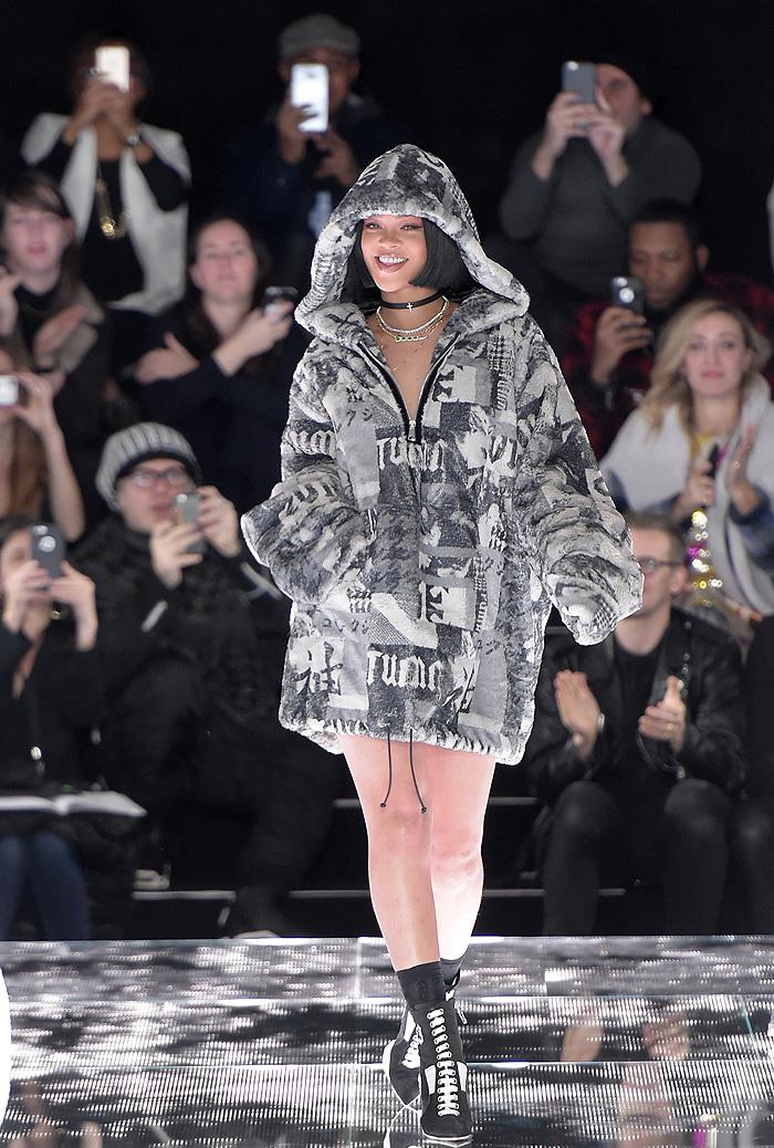 Rihanna brilha ao lançar coleção na Semana de Moda de NY