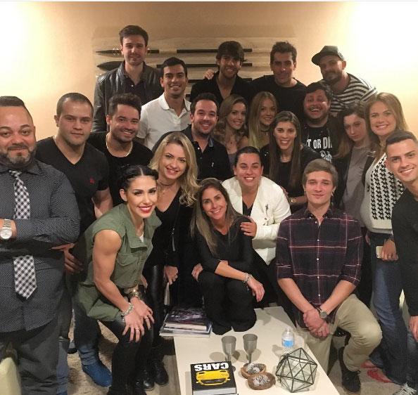 Anitta se despede em grande estilo das férias em Orlando