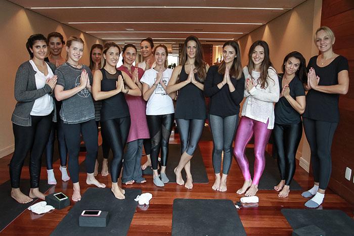 Carol Celico promove evento de ioga