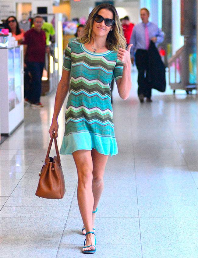 Inspire-se no vestido zigue-zague de Deborah Secco