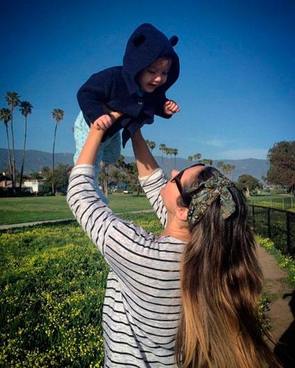 Fernanda Machado encanta ao mostrar sintonia com o filho