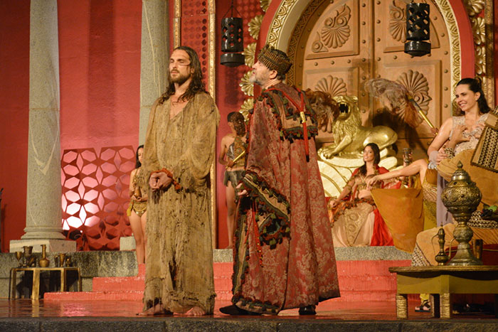 Igor Rickli esbanja talento em ensaio de A Paixão de Cristo