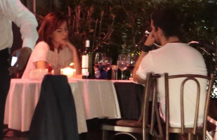 Maria Casadevall e João Vicente de Castro jantam juntos