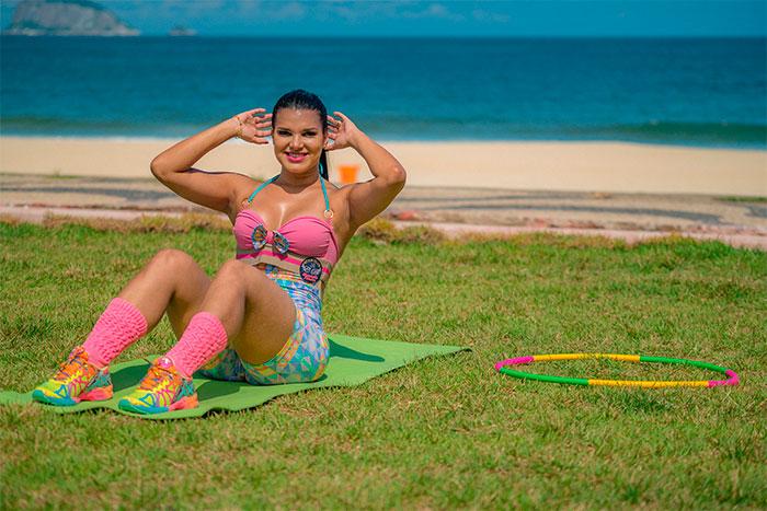 Juliane Almeida curte atividade diferente após treino. Veja!