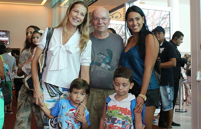 Luana Piovani e Alinne Moraes se divertem com os filhos