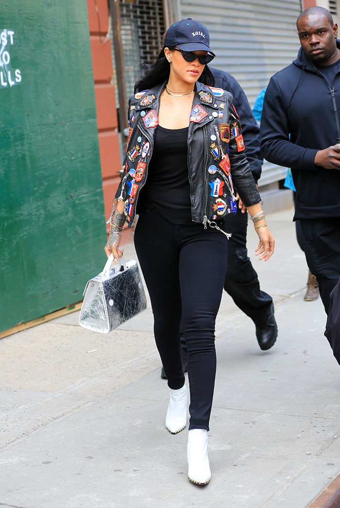 Rihanna arrasa no estilo e na beleza em NY