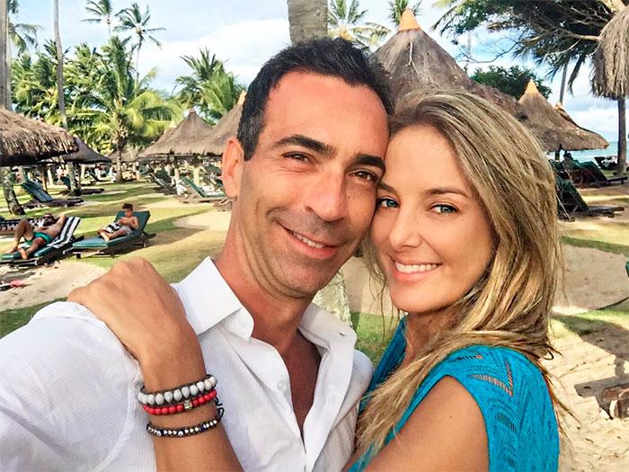 Ticiane Pinheiro e César Tralli curtem a Bahia juntinhos