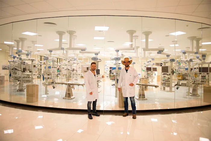 Fernando e Sorocaba inauguram ala no Hospital do Câncer