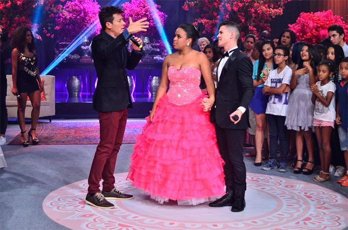 Rodrigo Faro e Biel se disfarçam e fazem surpresa para fã